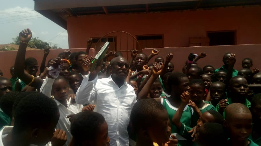 ASUNAFO NORTH NPP CONSTITUENCY CHAIRMAN BUILDS ULTRA MODERN TOILET FOR BEDIAKO R/C